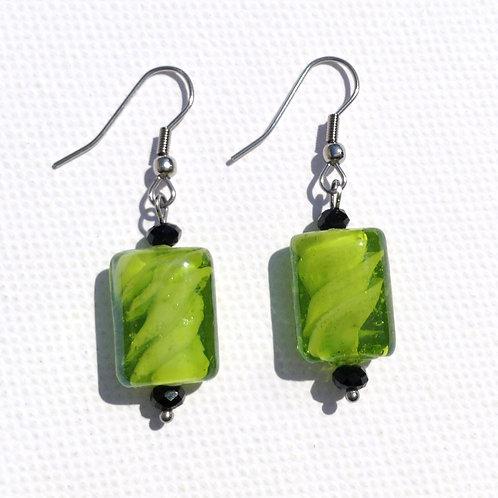 Boucles d'oreilles rectangulaire verte et cristal