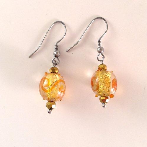 Boucles d'oreilles en verre artisanal feuille d'or et  motif orange