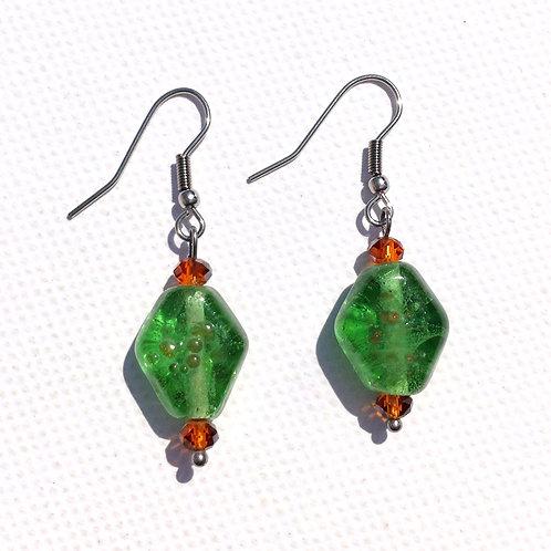 Boucles d'oreilles losange en verre vert et orange