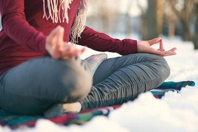 rolig yoga.jpg