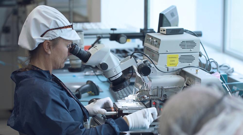 Filtronic Broadband Staff on Microscope