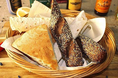 Хлебная корзинка (армянский лаваш, ржаной багет)