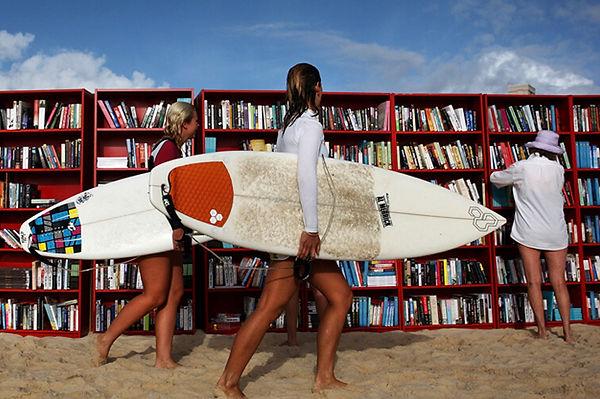 estudiar en australia, surf, biblioteca, playa, ace australia