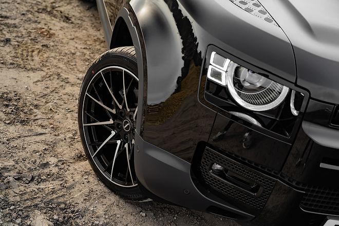 Land-Rover-Defender-2020-Riviera-RV197-B
