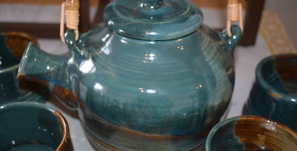 Tea Set with 4 cups