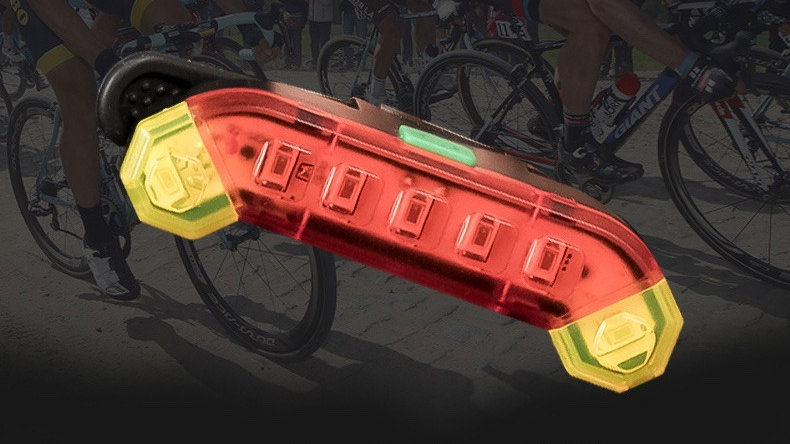 Tail lights indicator