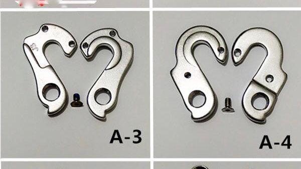 Derailleur hangers