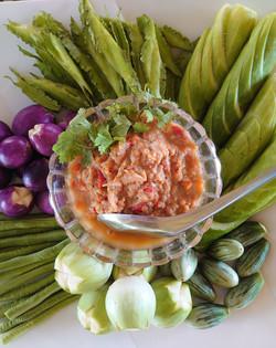自家製野菜とディップ