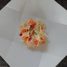 自家製野菜を使ったソムタム.JPG