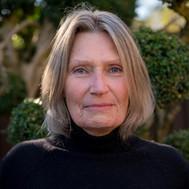 Dr Linda Smith