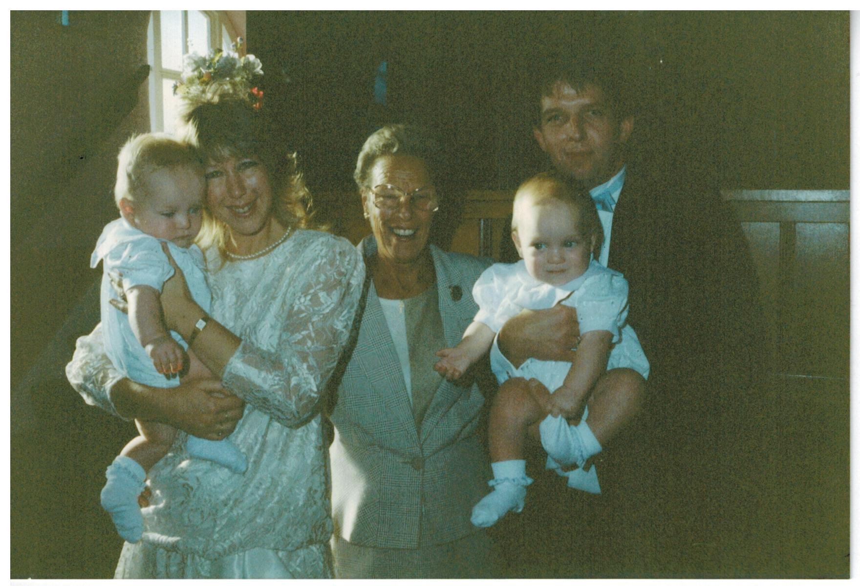 C008 Hazel_with_James_and_Stewart_TRIGG{twins]_and_Pauline-and-Steven