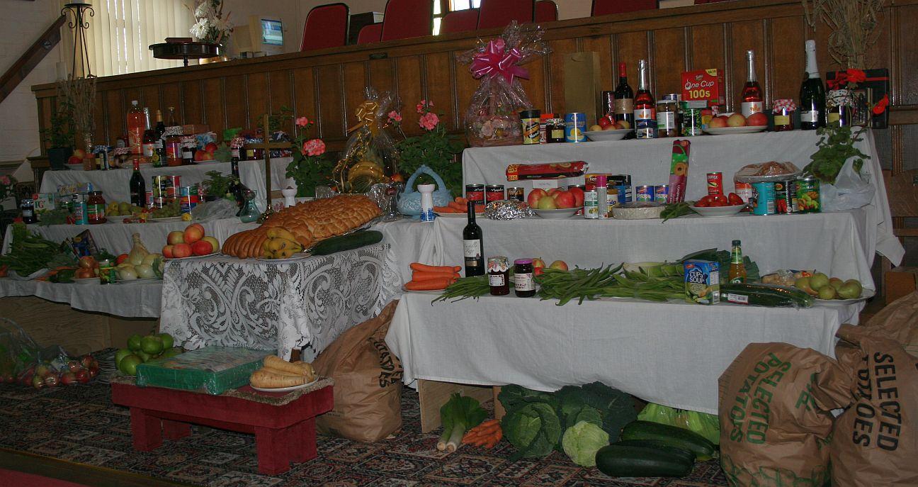 2012_09-02_Harvest_Whole Table
