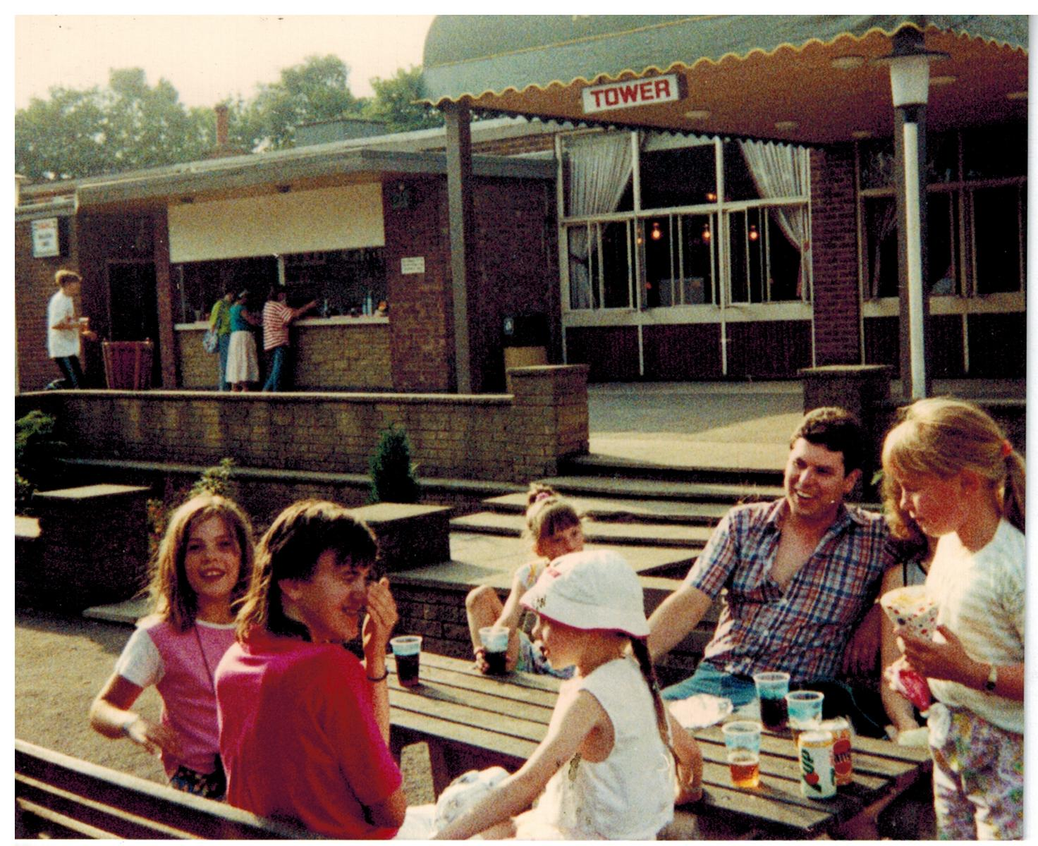 F323_Drayton-Manor[1988]