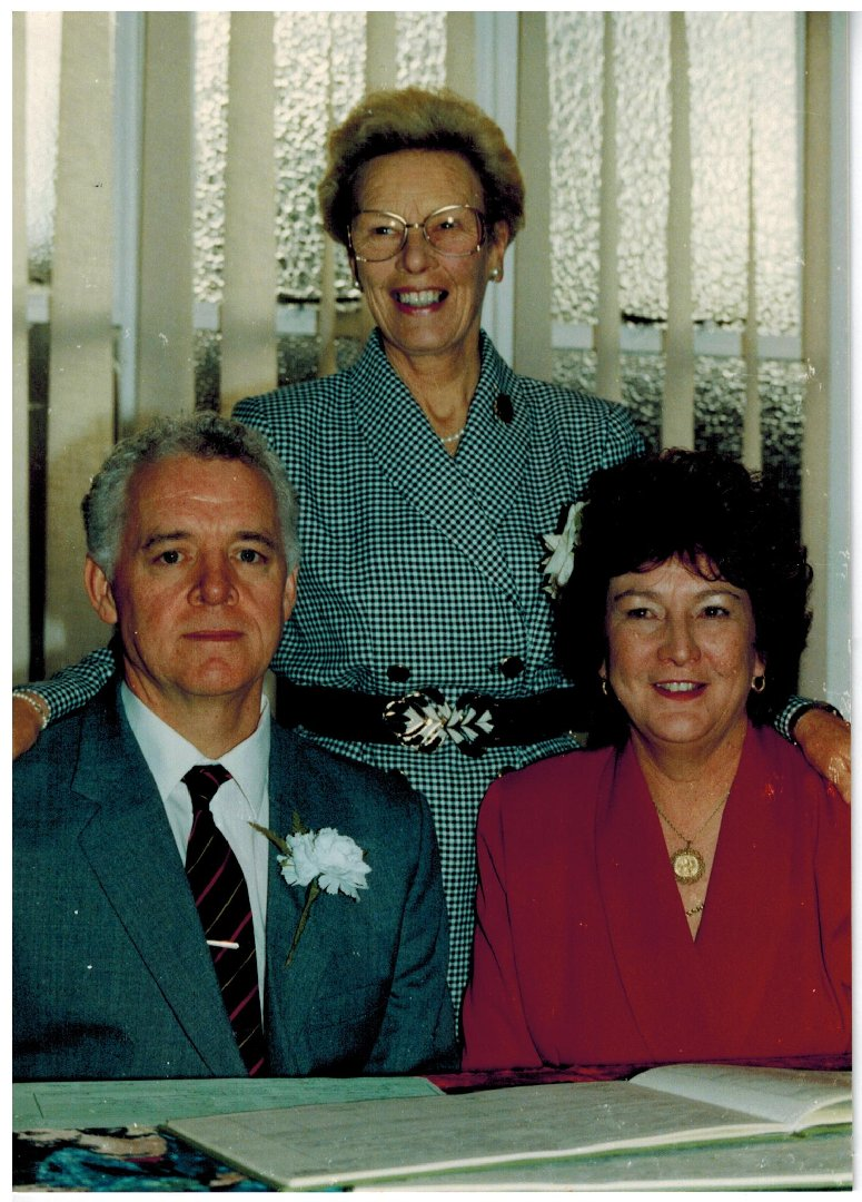 C001 Joan-and-Paul_Burgess{05-12-92]