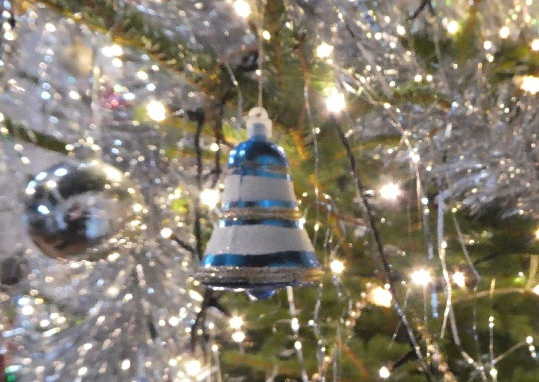 2016_11-29_Xmas_Tree-Decorating5