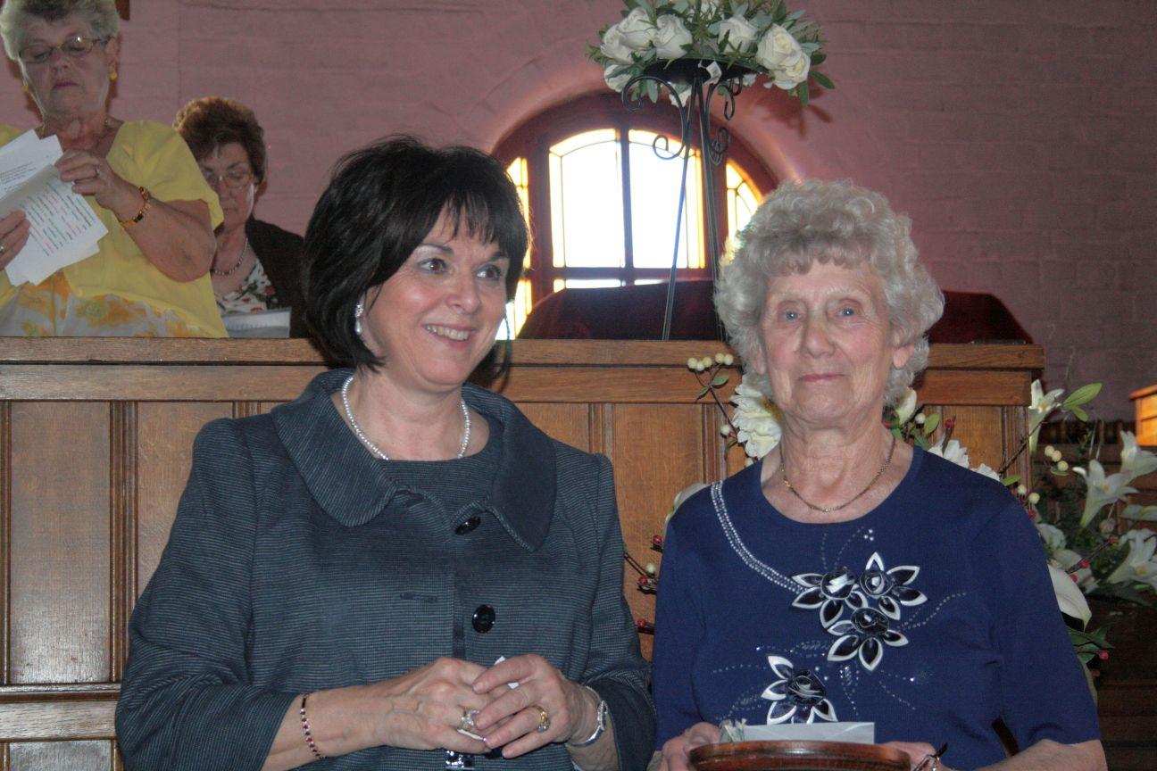 2010_05-16_Anniversary Mom & Carol