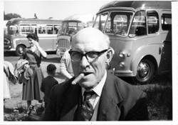 A059_Coach-Trip_Cliff-Willetts[cigar]