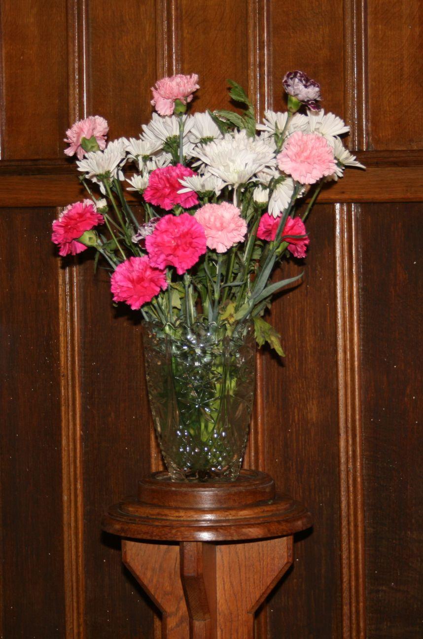 2011_05-27_Anniversary Alter Flowers