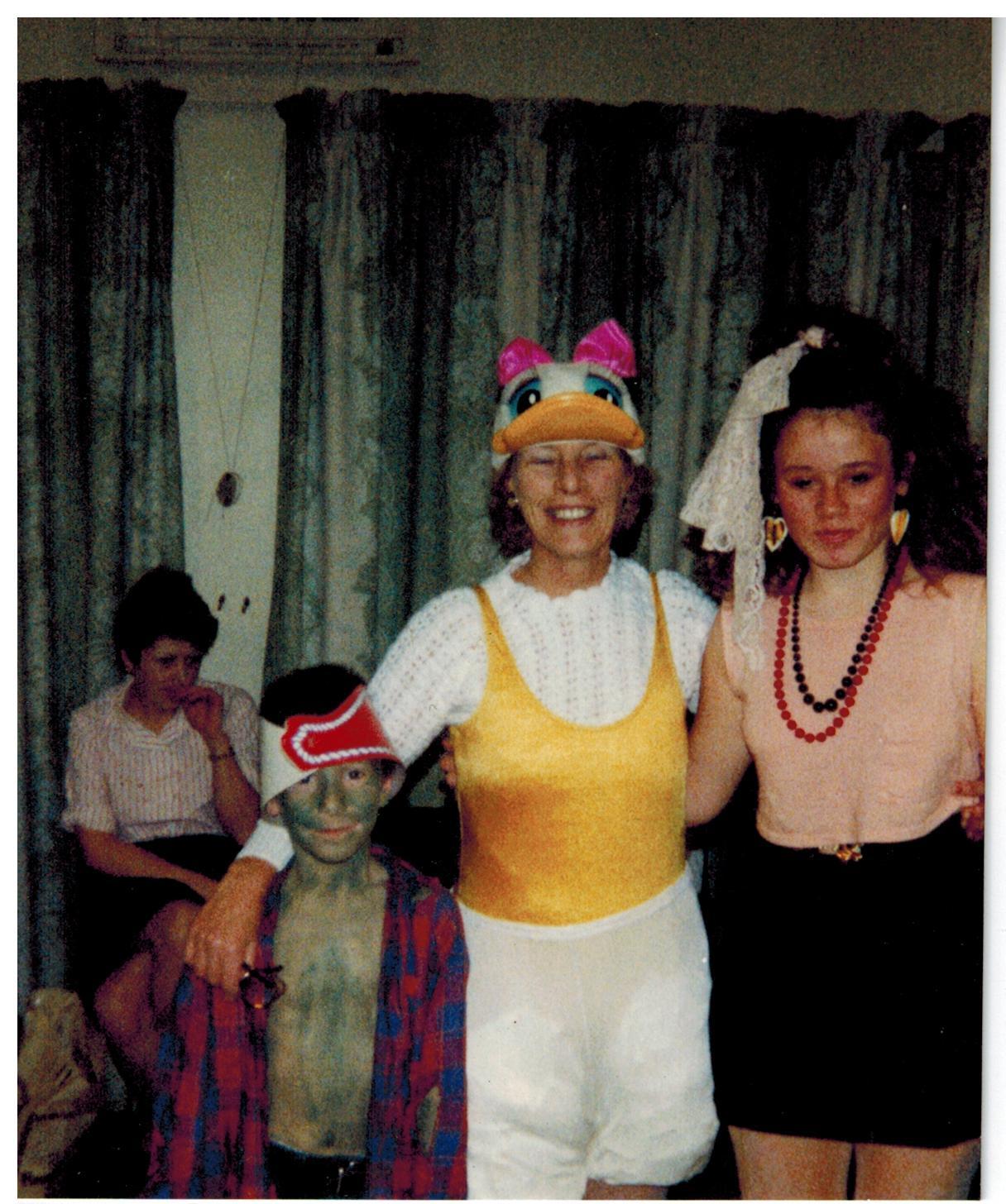 E009 Christmas Party 1990