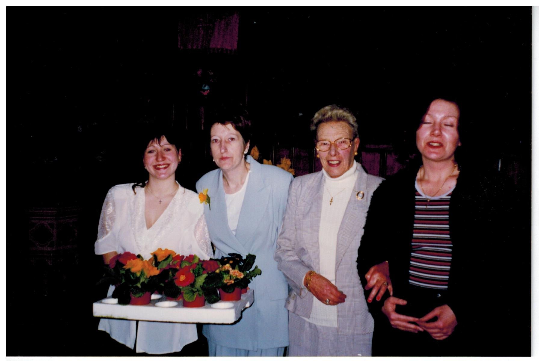 N027_Mothers-Day-[22-03-1998]