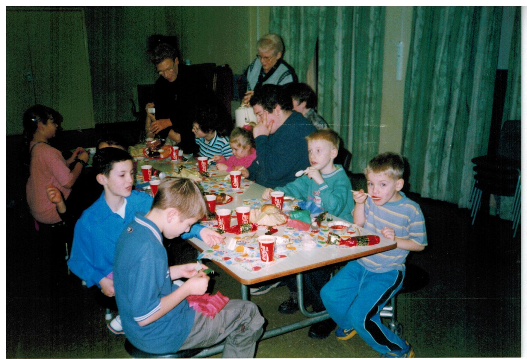 H095_Party_Jan-2000