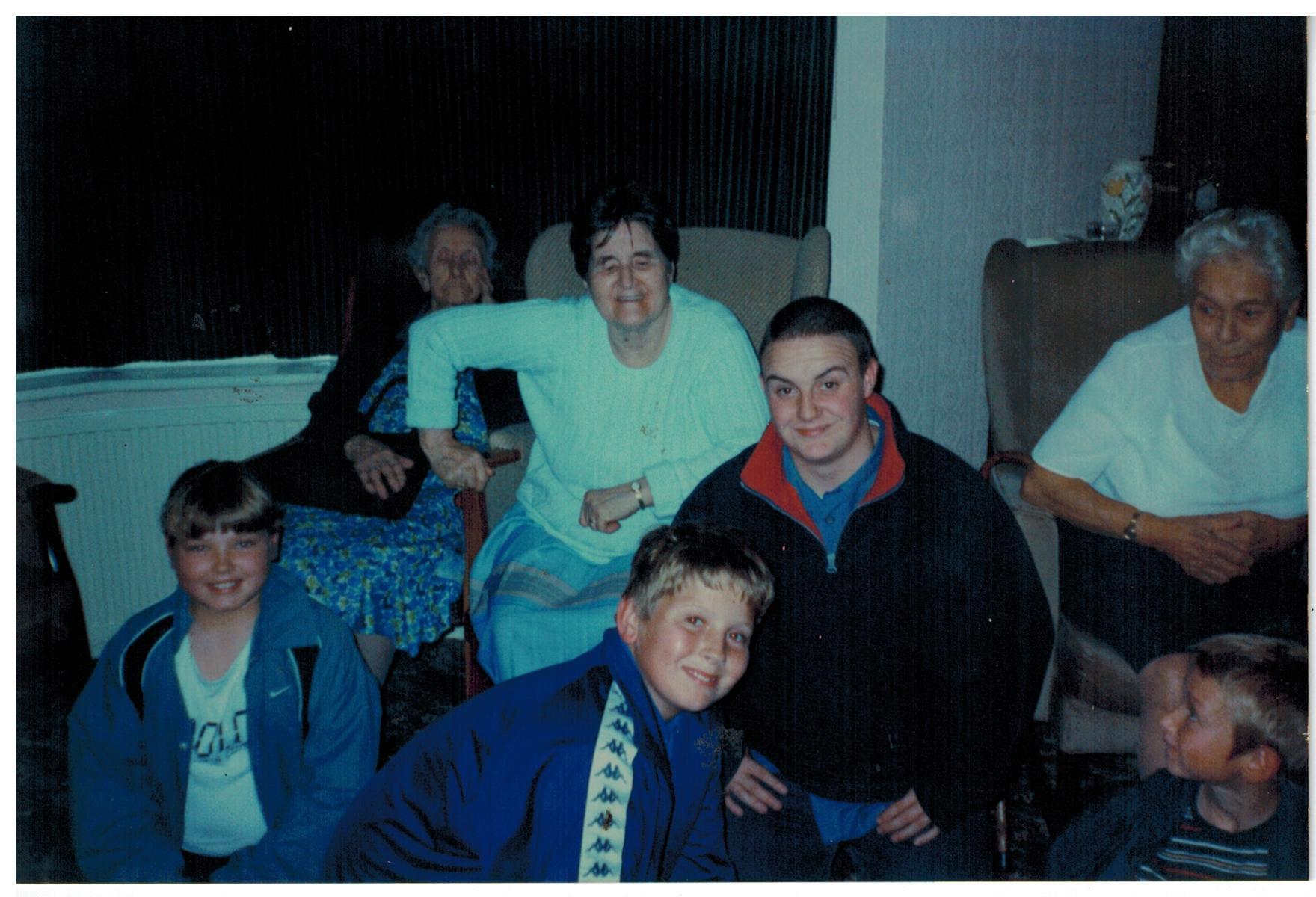 H116_Woodlands-Gate_Oct-1999