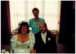 C043a Alison_Sonia_and-Dennis_BURGESS[18-06-94]