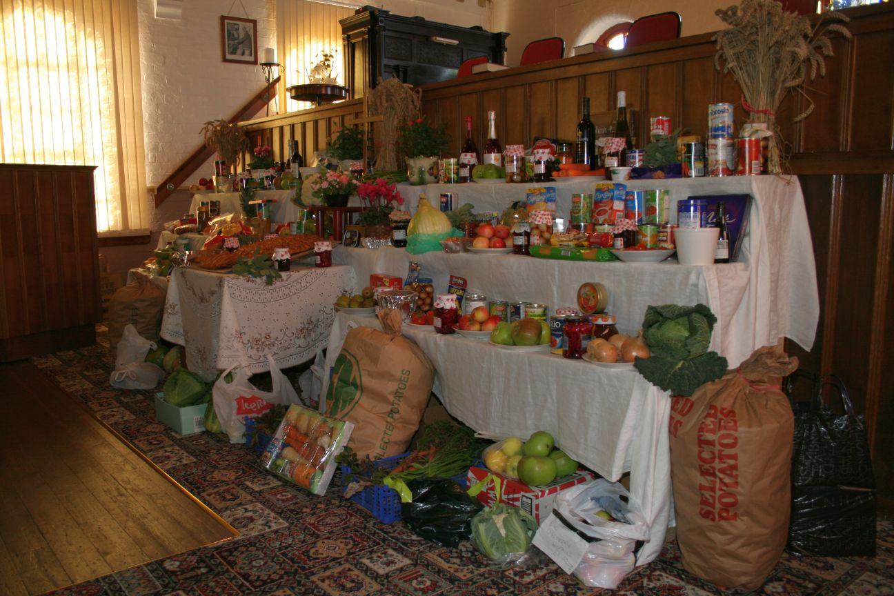 2011_09-04_Harvest_Table Left