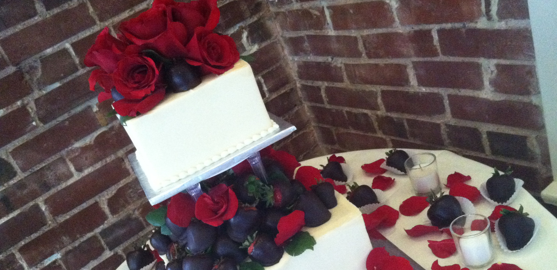 2-Tiered Wedding cake