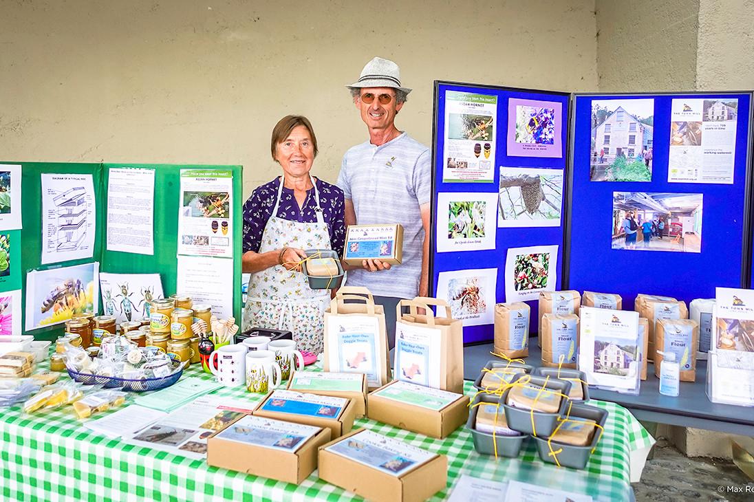 Farmers Market 02.jpg