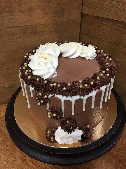 "8"" Classic Drip Cake | Feeds 10-14"