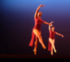 Beautiful, feminine, elegant Trienawear ballerina ambassador Sage Sarai performing contemporary ballet choreography