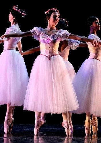 Beautiful, elegant, feminine Trienawear ballerina ambassador Mercedes Lozano performing Pas De Quatre with Brandon Ballet