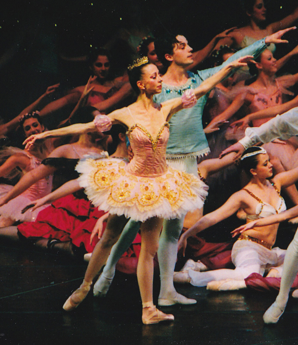 Mary Beth Budd and William Prouty as the Sugar Plum Fairy and Cavalier in The Nutcracker
