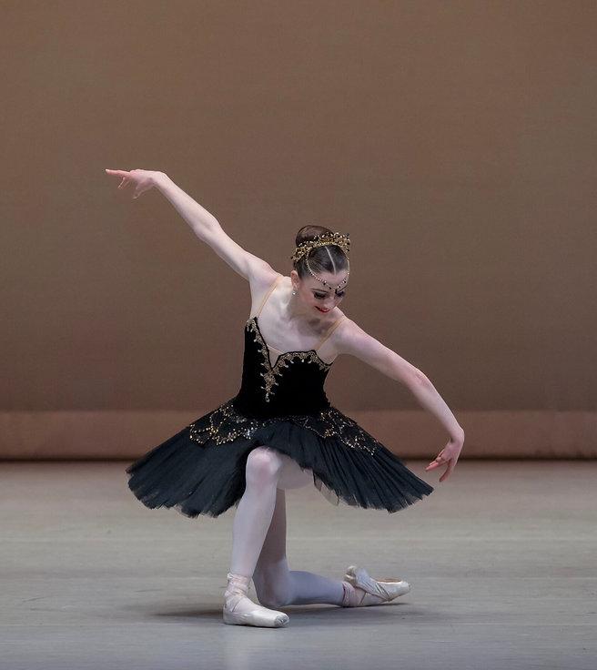 Beautiful, elegant Trienawear ballerina Breana Drummond performing the Black Swan variation from the ballet Swan Lake