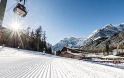 BadMoos_Winter-Ski_1_©_Hannes_Niederkofl