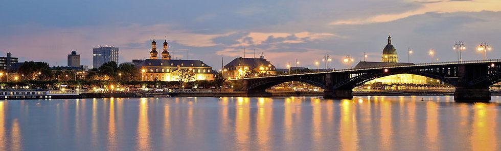 Mainzer Skyline Rhein