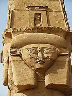 chapiteau Hathor-Kertassi.jpg