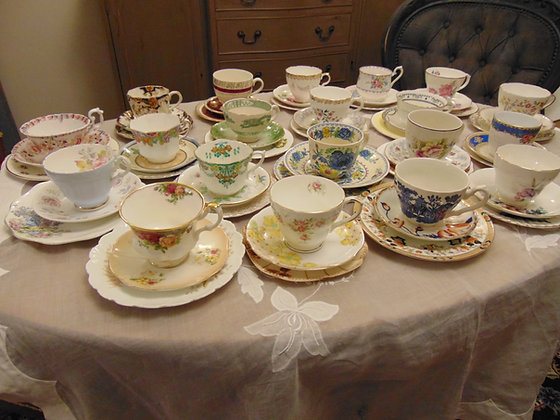 Set of 20 Plates, Cups & Saucers