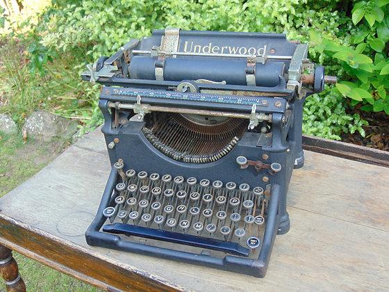 1915-1920's UNDERWOOD Type Writer