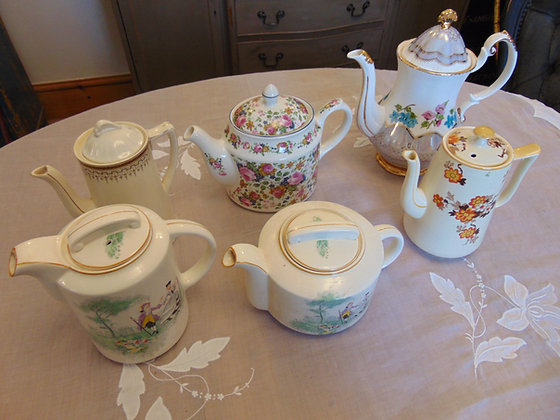 Teapots & Stand