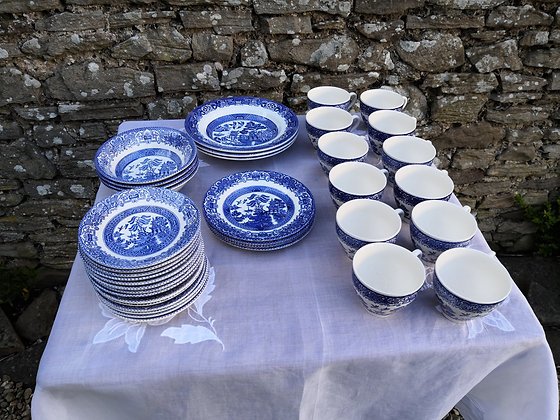 Willow Pattern Dinner Service