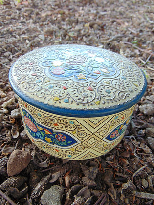 Gray Dunn Biscuit Tin