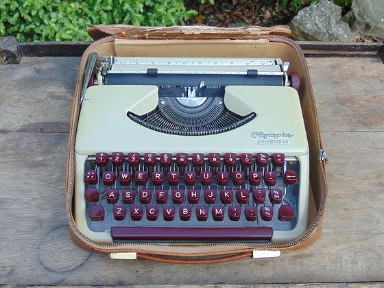 1950's OLYMPIA Good Companion 5 Type Writer