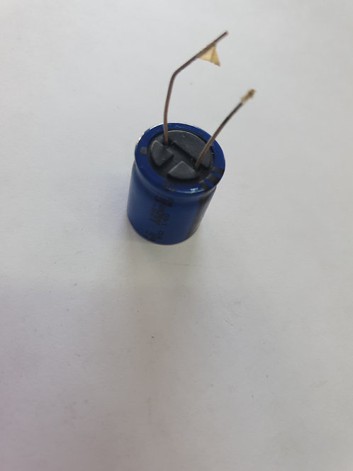 Capacitor electrolitico 330mf 63v 105°