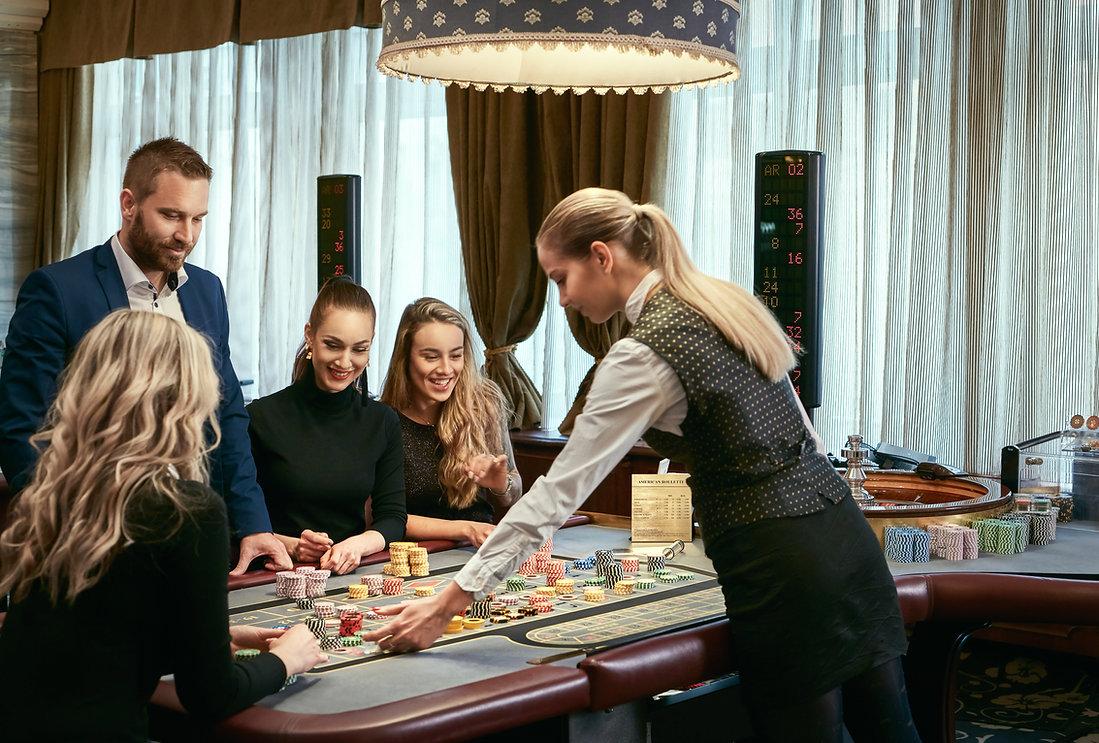 19-17-casino-Lidi1.JPG