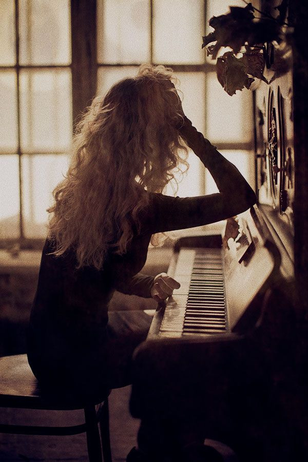 tocar piano.jpg