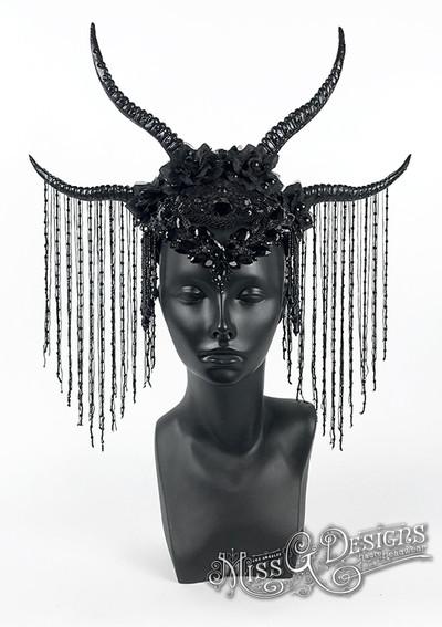 BLACK-HORN-HEADDRESS----2.jpg