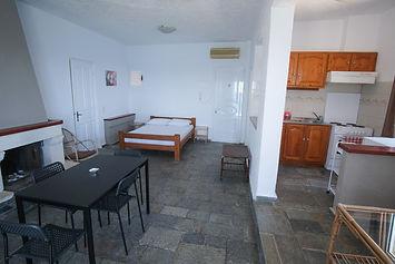 markos room6 -07.jpg