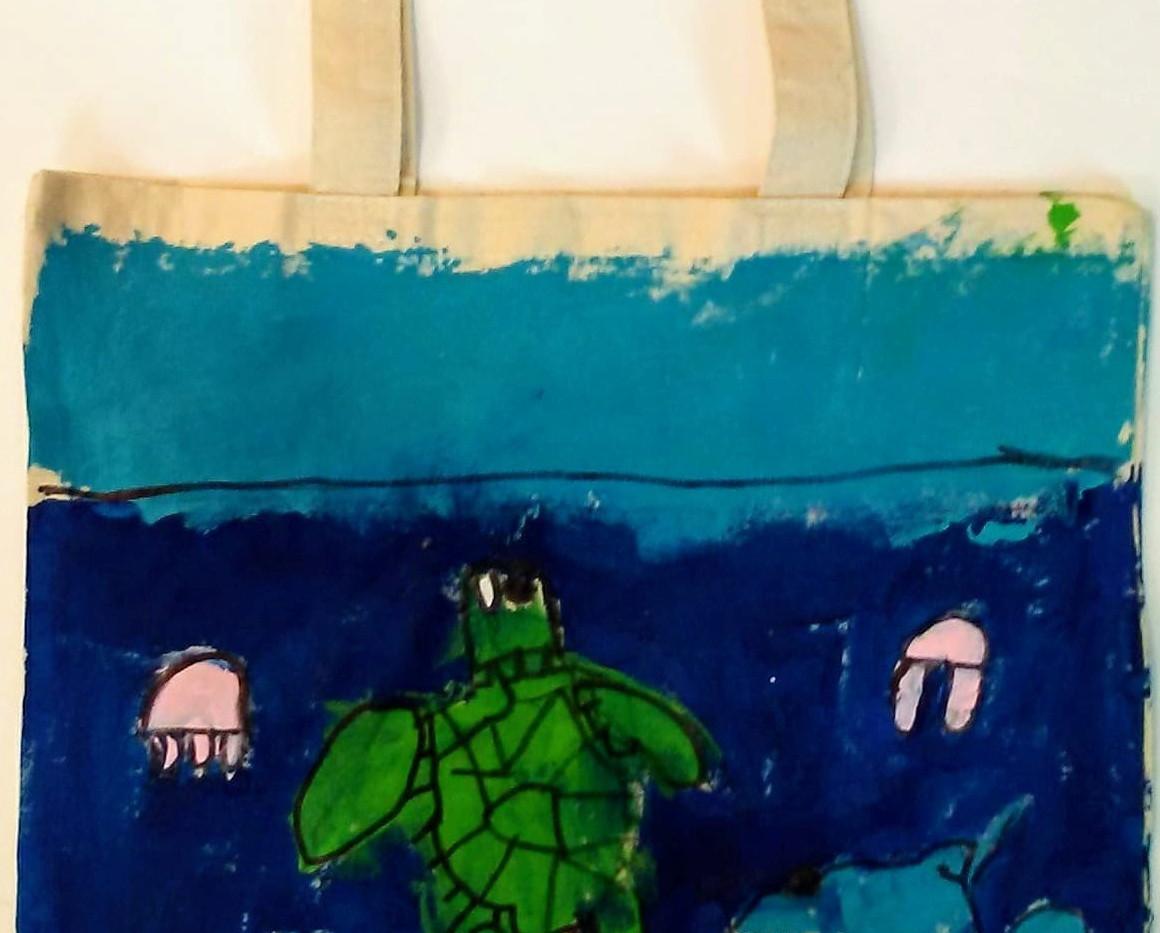 Kiera_s Sea turtle tote.jpg
